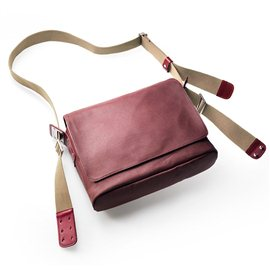 BANDOLERA BROOKS PADDINGTON (CHIANTI/MAROON)