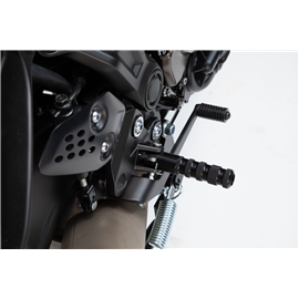 YAMAHA MT-07 KIT REPOSAPIÉDS RACING NEGRO